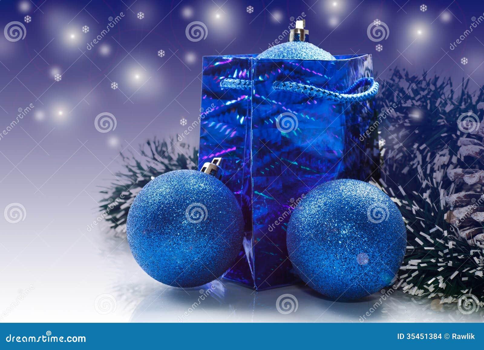 Cartolina di natale con le palle di natale fotografia - Immagine di regali di natale ...