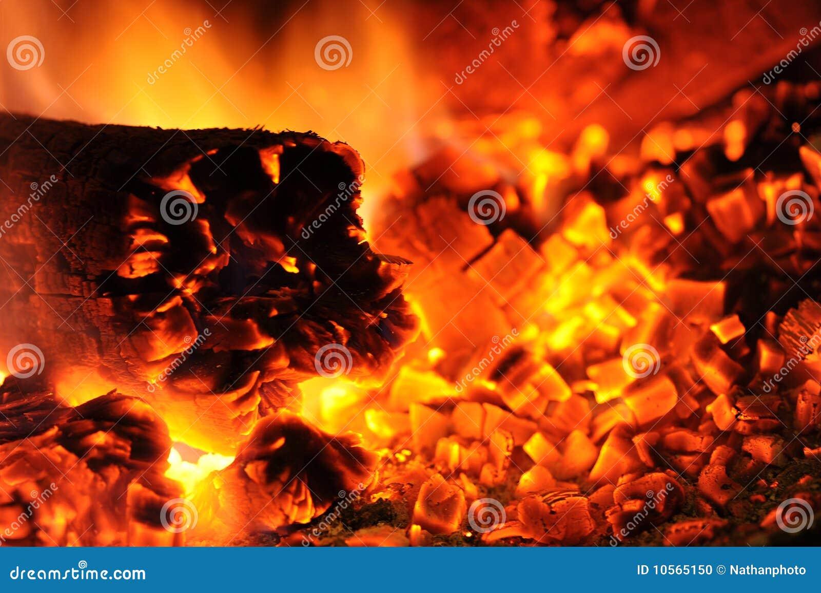 Carvões e incêndio quentes