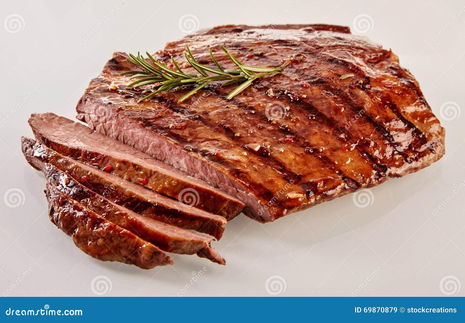Carved barbecued средств-редкий стейк фланка