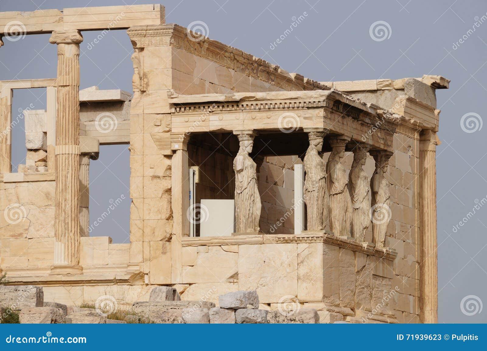 Caryatides Erechtheion на акрополе в Афинах, Греции