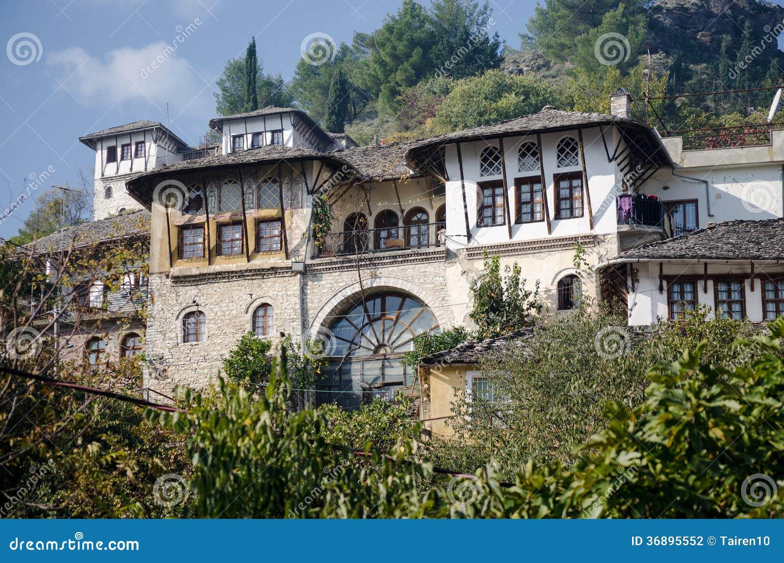 casa albanese tradizionale fotografia stock immagine di