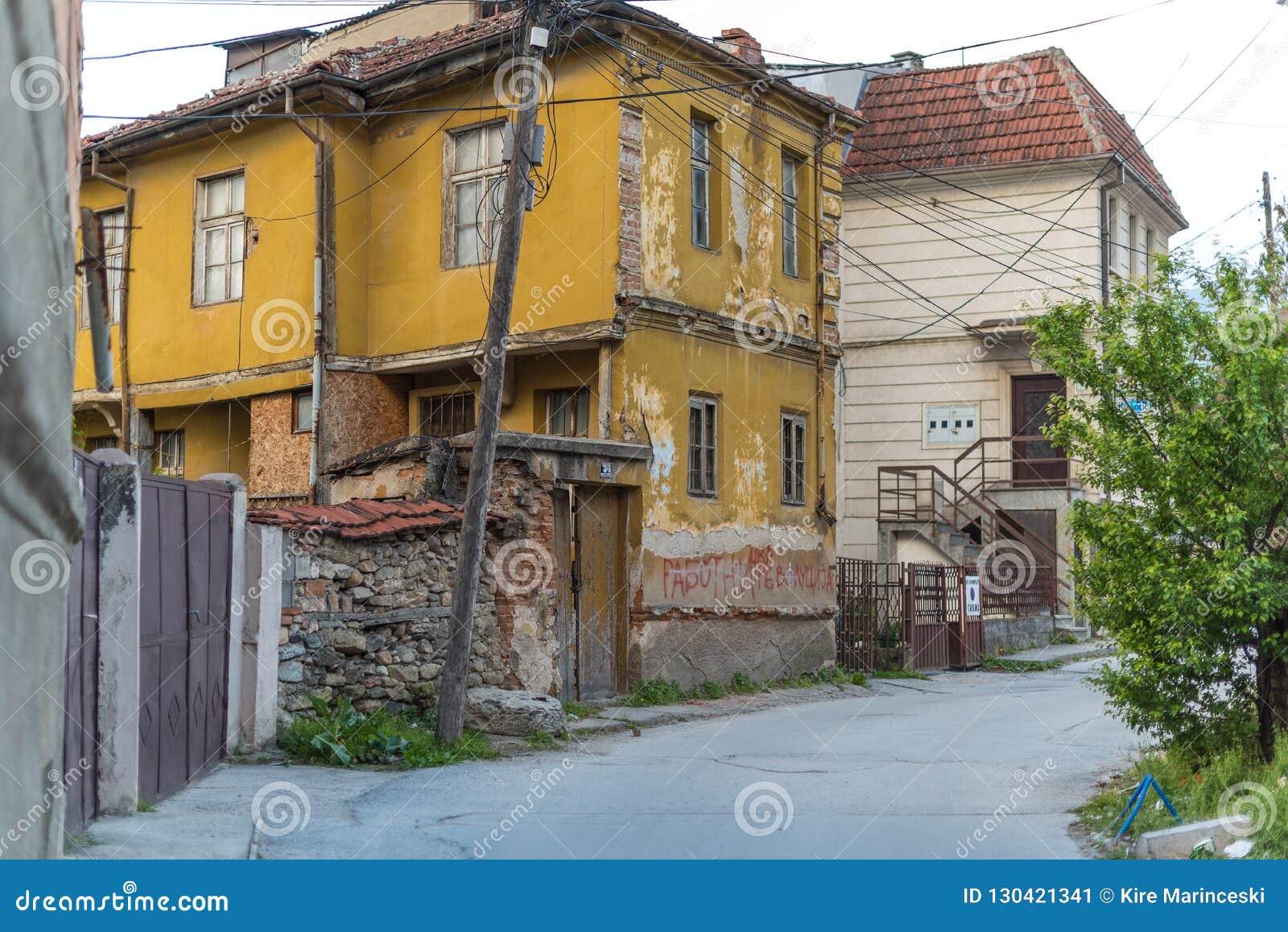Casa amarela velha