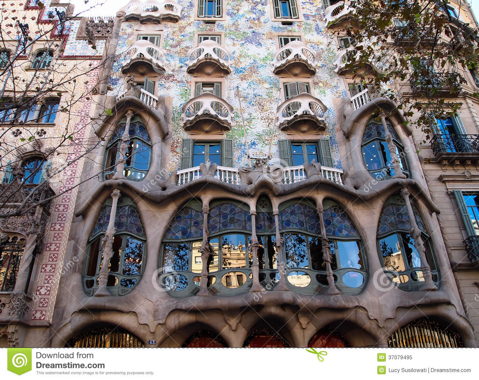 Download Casa Batlló W Barcelona, Hiszpania Obraz Stock - Obraz złożonej z landmark, miejscowy: 37079495