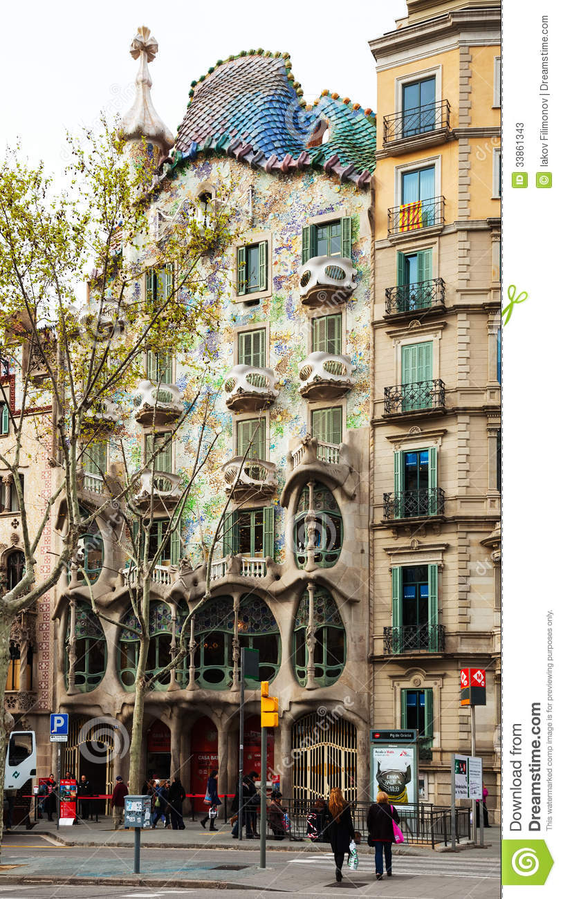 Casa batllo barcelon editorial stock photo image 33861343 - Casa en catalan ...