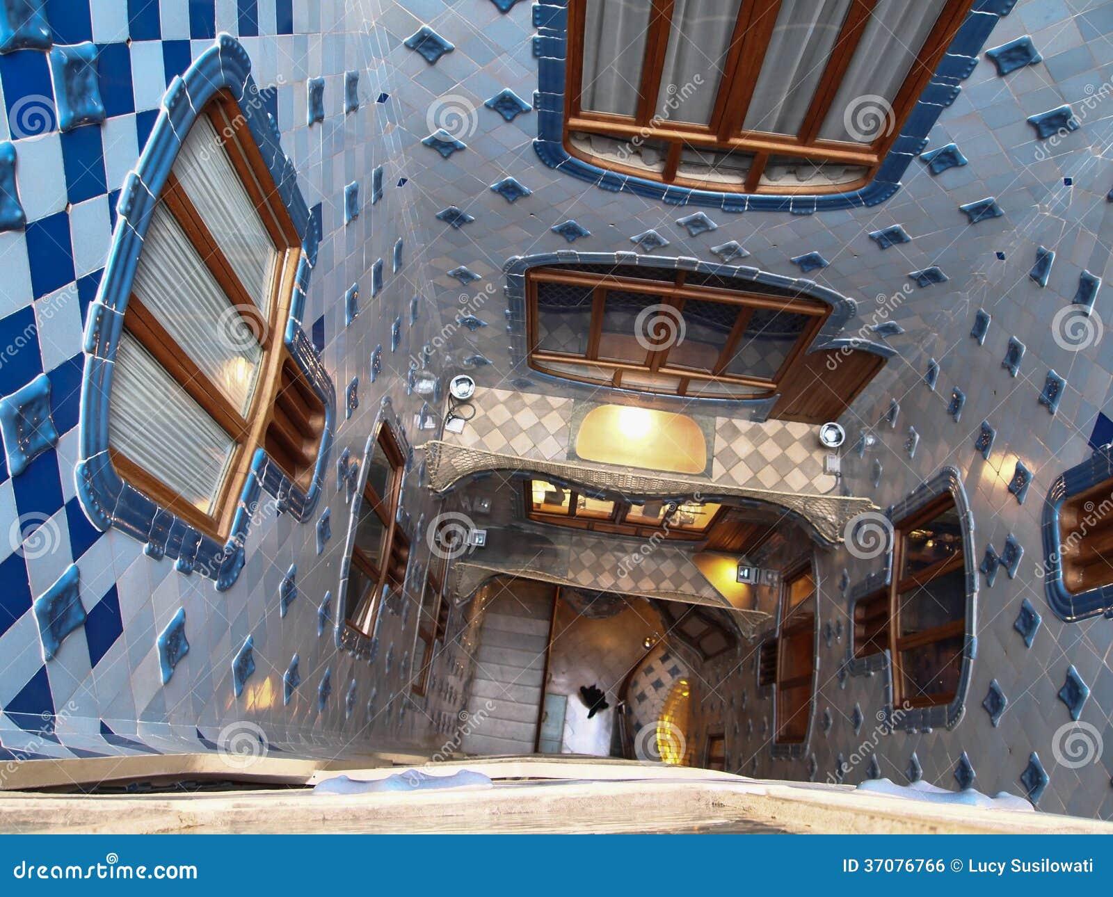Download Casa Batllo Schody Szczegół Zdjęcie Editorial - Obraz złożonej z kolor, architektury: 37076766