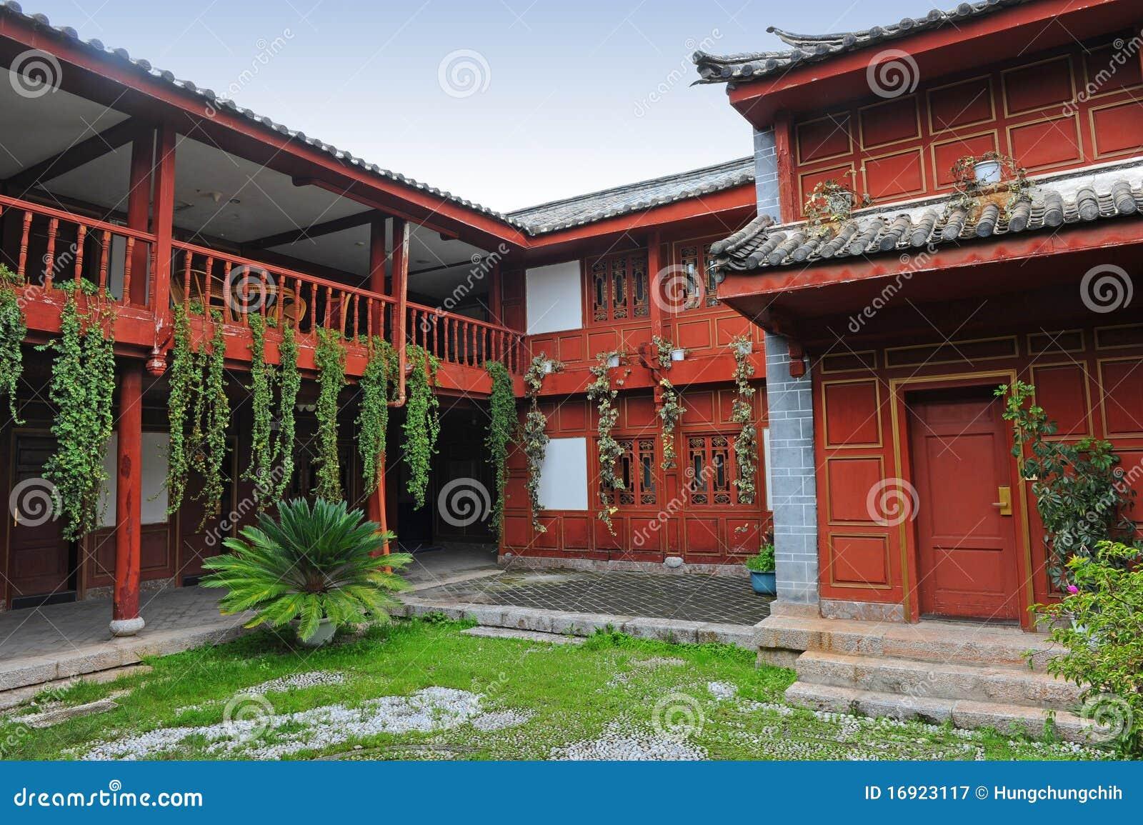 Casa cinese del cortile immagine stock immagine di for Piani casa del cortile