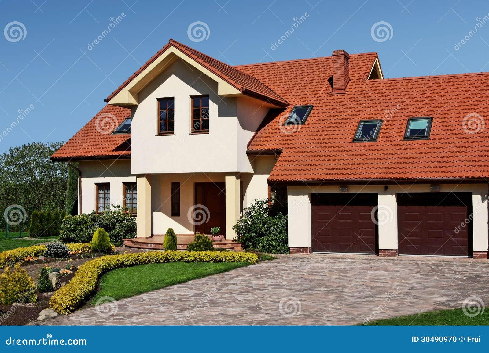 Casa cl ssica foto de stock imagem de edif cio moradia for Foto casa classica