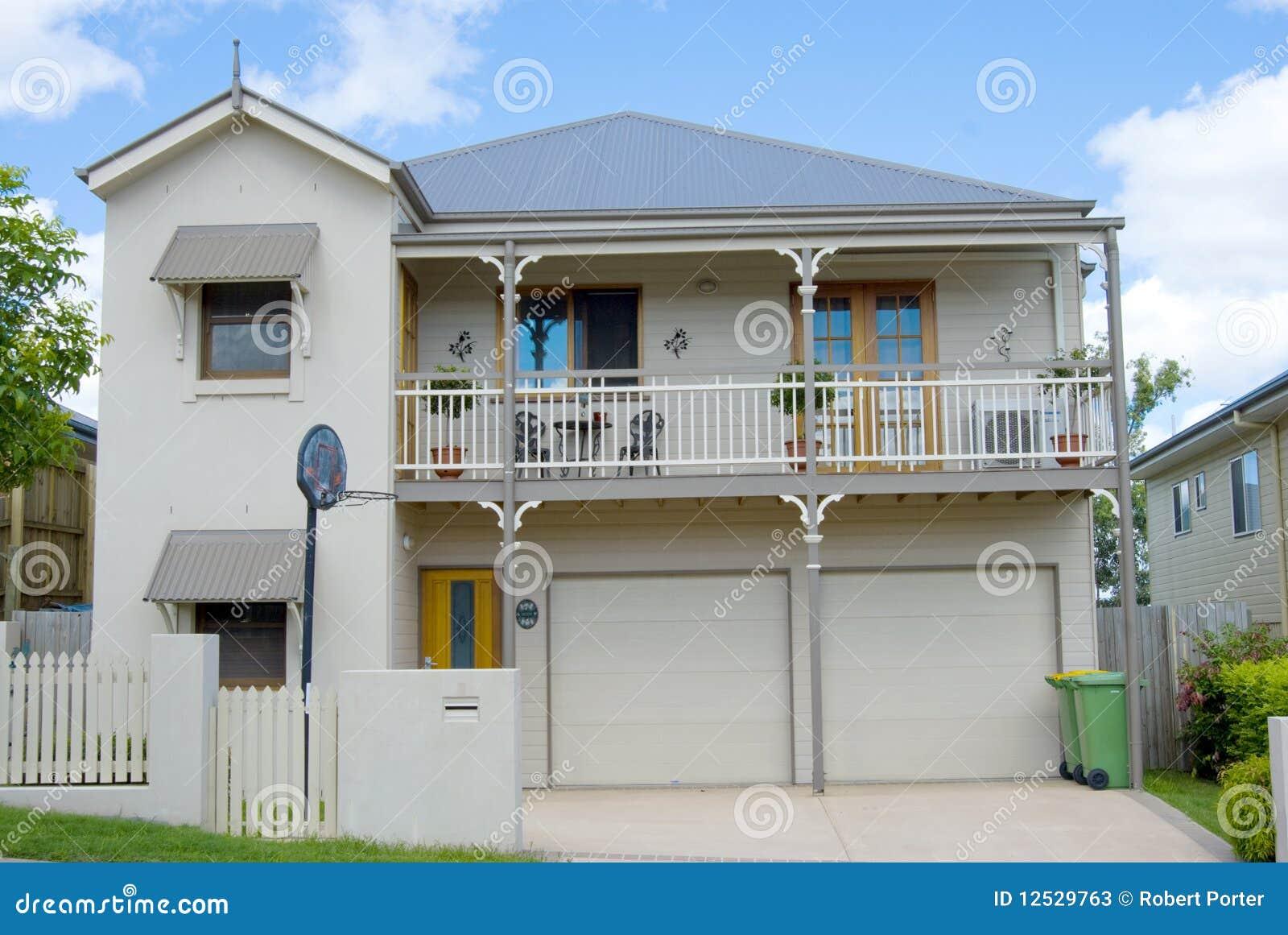 Casa colonial moderna fotos de archivo imagen 12529763 - Imagen de casas ...