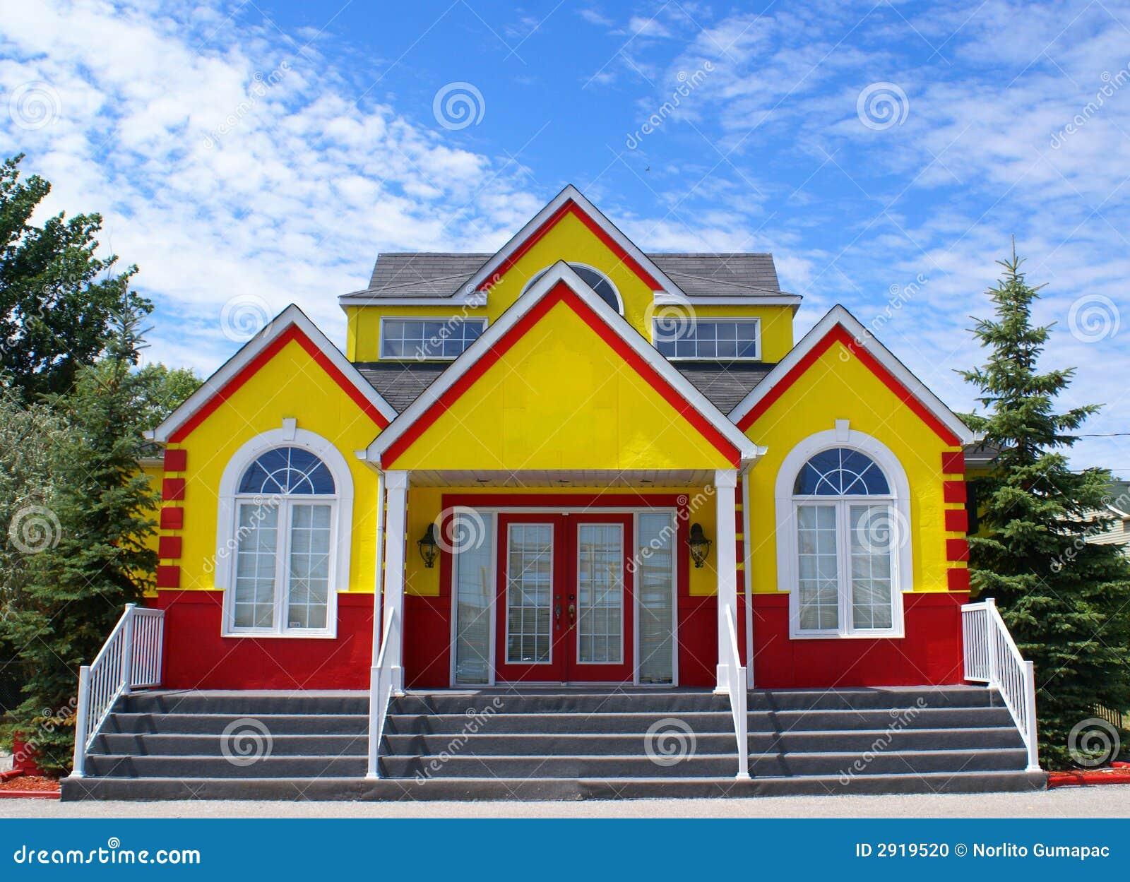 Casa colorida nova foto de stock imagem de alaranjado 2919520 - Casa de fotografia ...