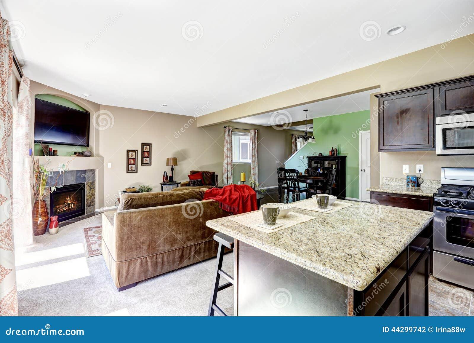 Casa Com Planta Baixa Aberta Cozinha E Sala De Visitas Foto de Stock  #AD201E 1300 957