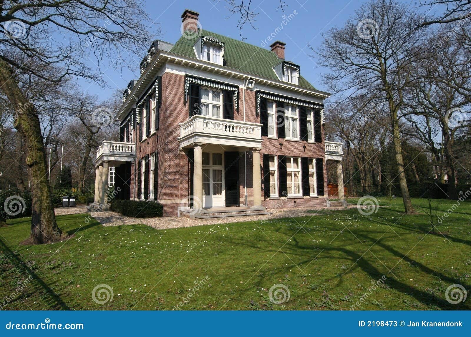 Casa de campo cl ssica fotos de stock imagem 2198473 for Foto casa classica