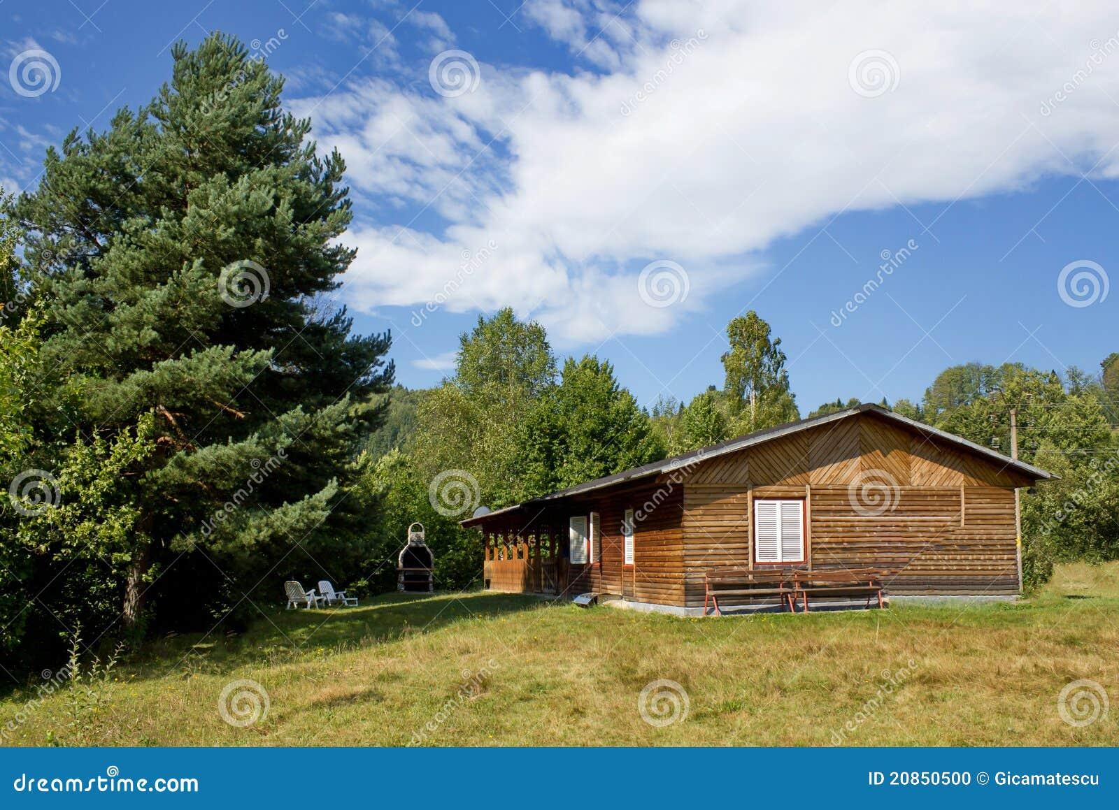 Casa de campo de madeira foto de stock imagem 20850500 - Fotos de casa de campo ...