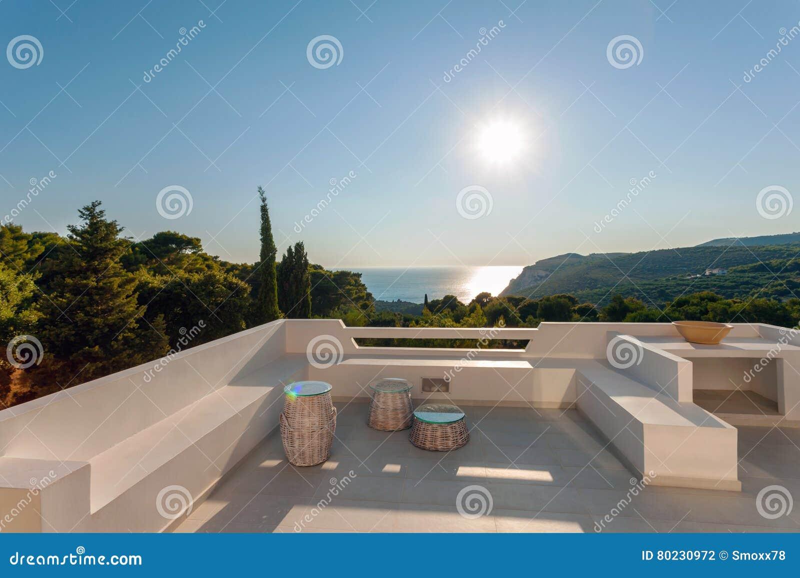 Casa de campo exterior com decoração