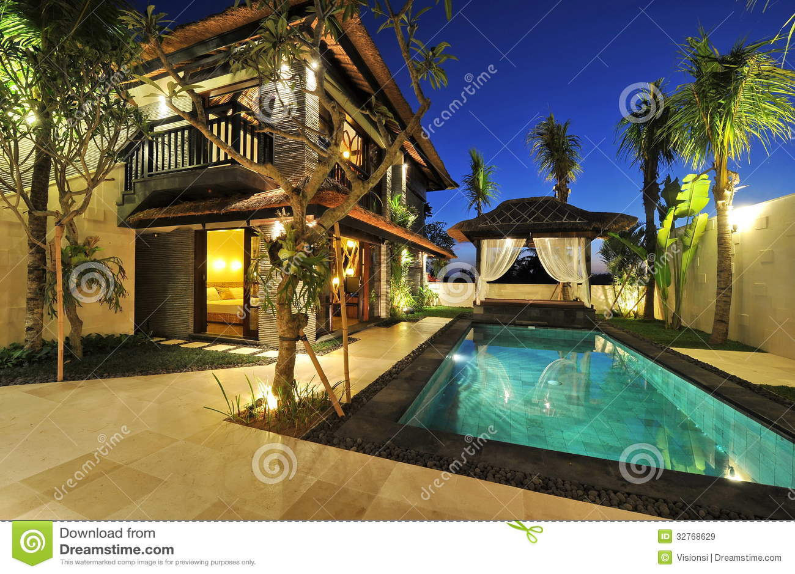 Casa de campo tropical moderna com piscina imagens de stock royalty free imagem 32768629 - Huis design met zwembad ...