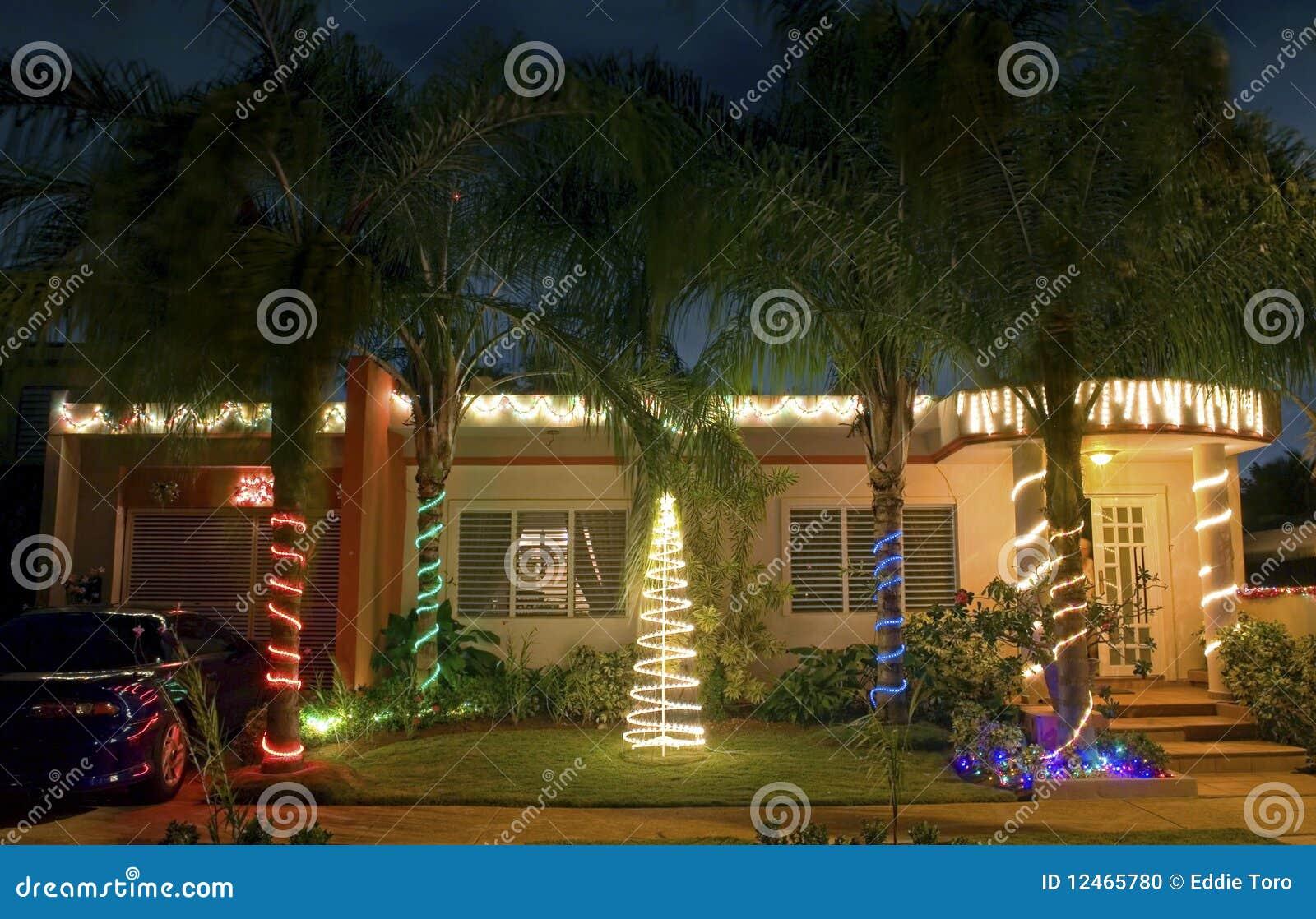 Casa de la navidad en puerto rico foto de archivo imagen - Casas decoradas en navidad ...