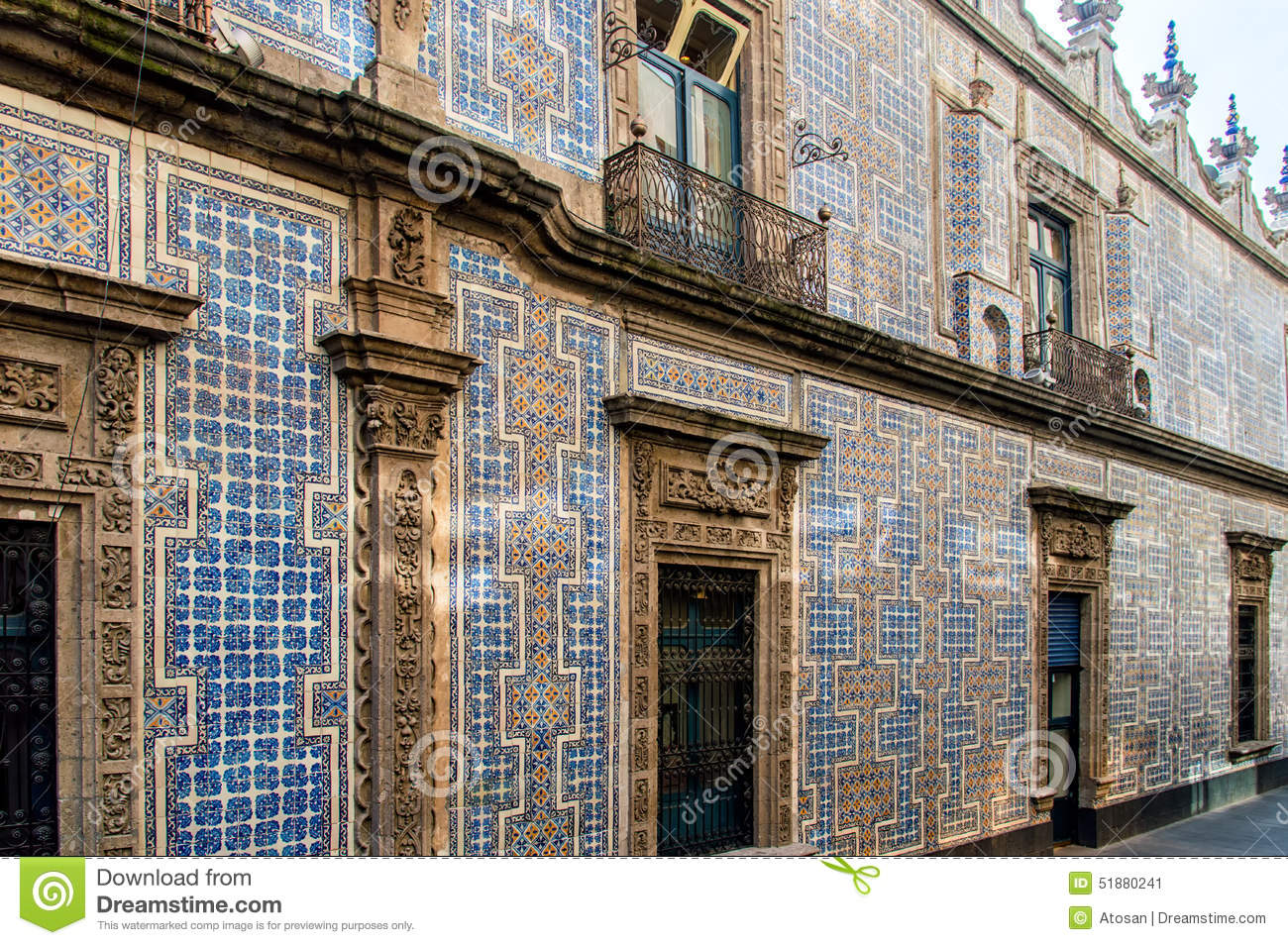 Casa de los azulejos stock image image of white tiles for La casa del azulejo san francisco