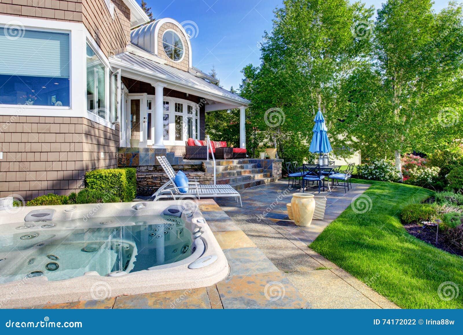 casa de lujo exterior con dise o impresionante del patio