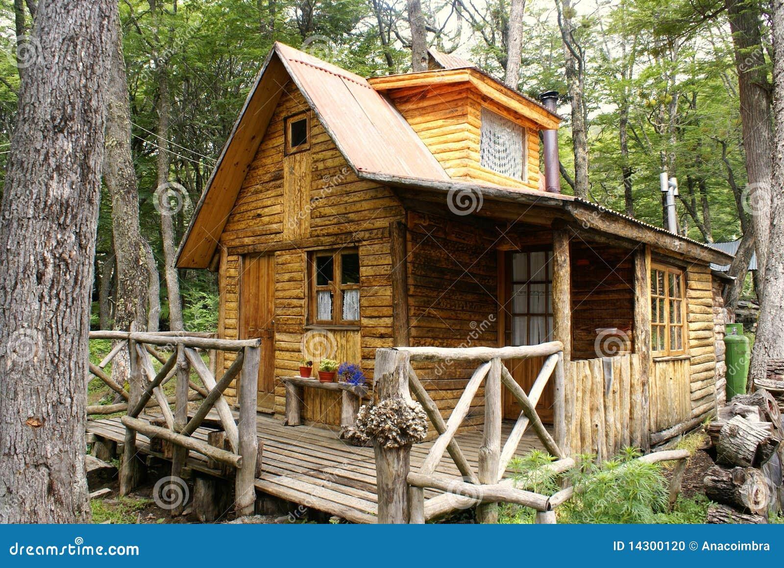 Casa de madera en patagonia foto de archivo imagen 14300120 - La casa de madera ...