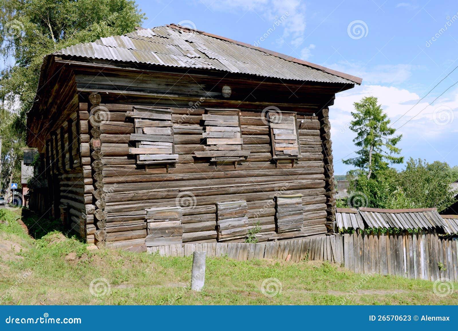 Casa de madera rusa antigua fotos de archivo imagen - Casa de madera ...
