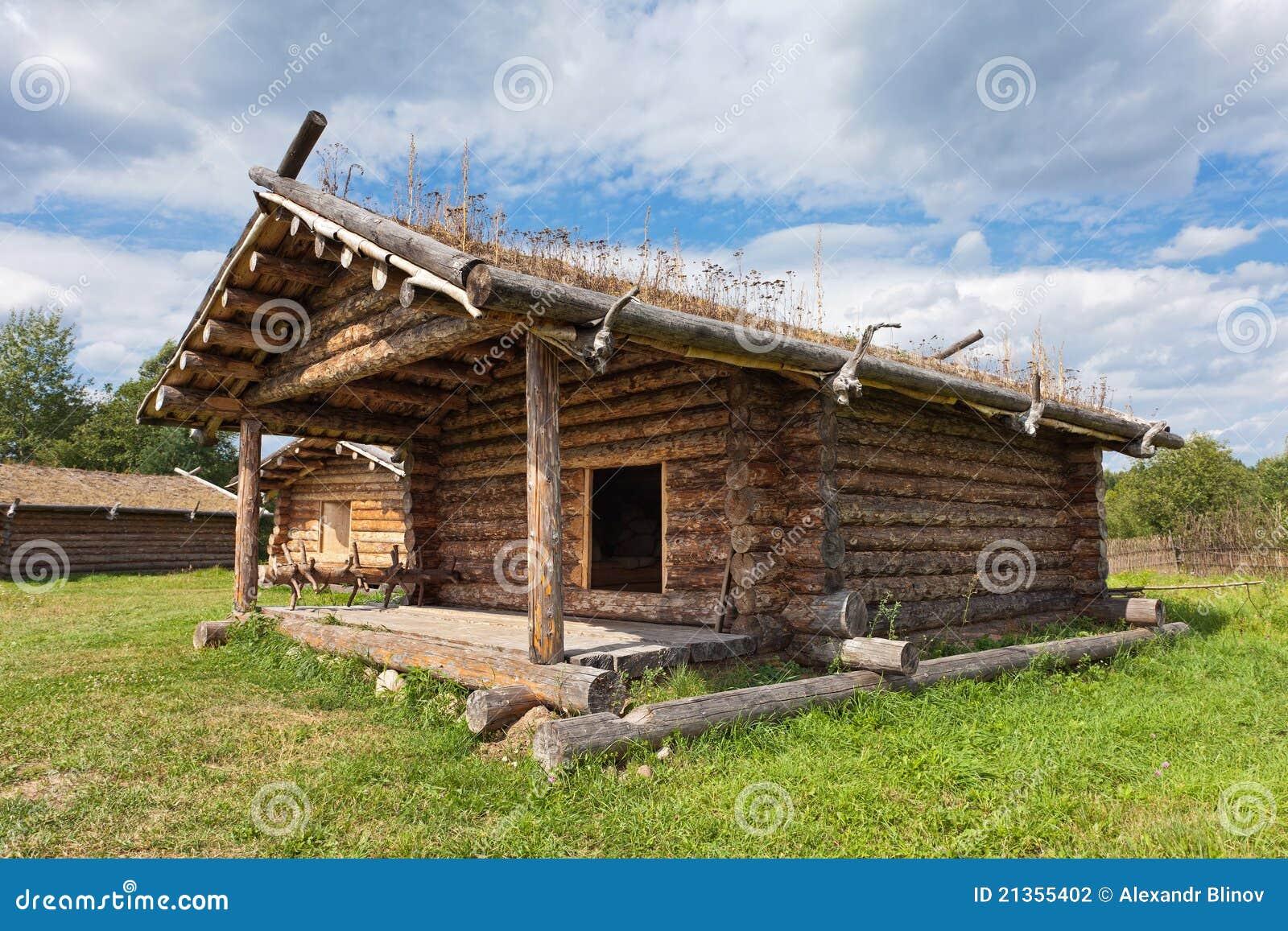 casa de madera rusa tradicional antigua fotografa de archivo