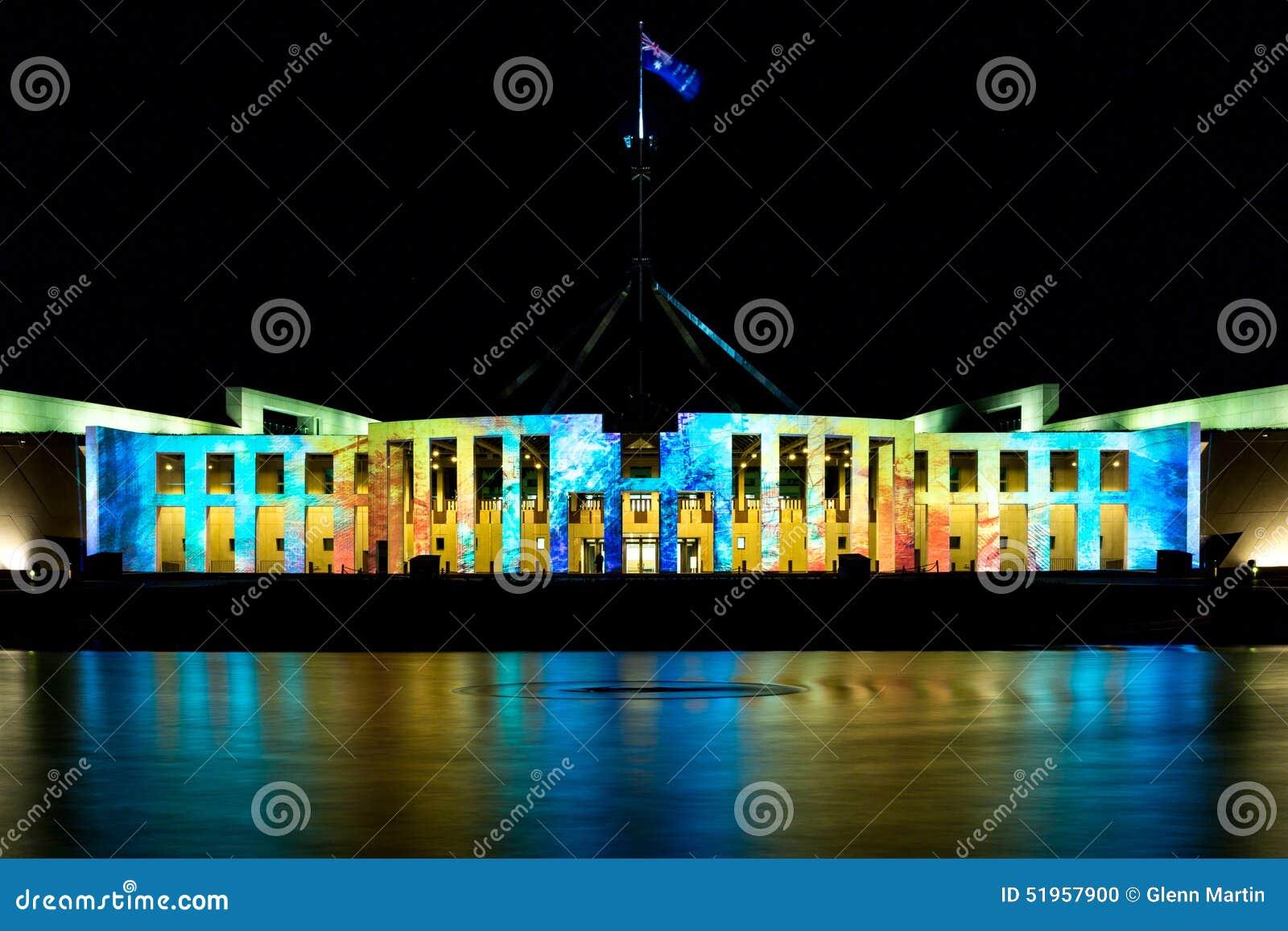 A casa de Parliamenet em ilumina 2015