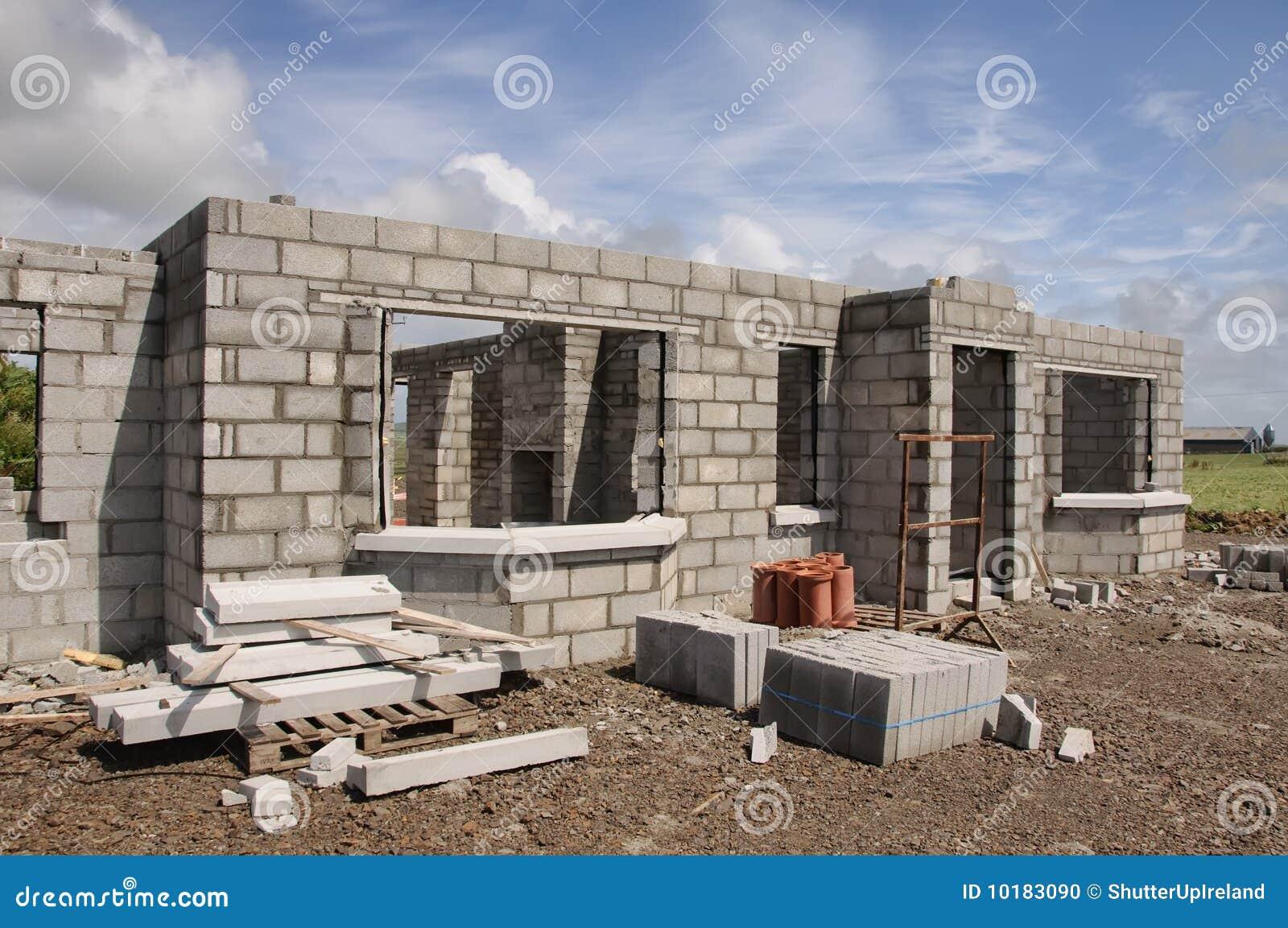 Casa de piedra concreta de la nueva estructura foto de - Construccion casa de piedra ...