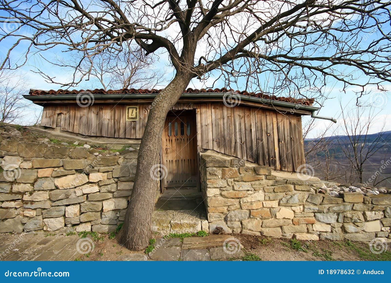 Casa de piedra y de madera fotograf a de archivo imagen - Casas piedra y madera ...