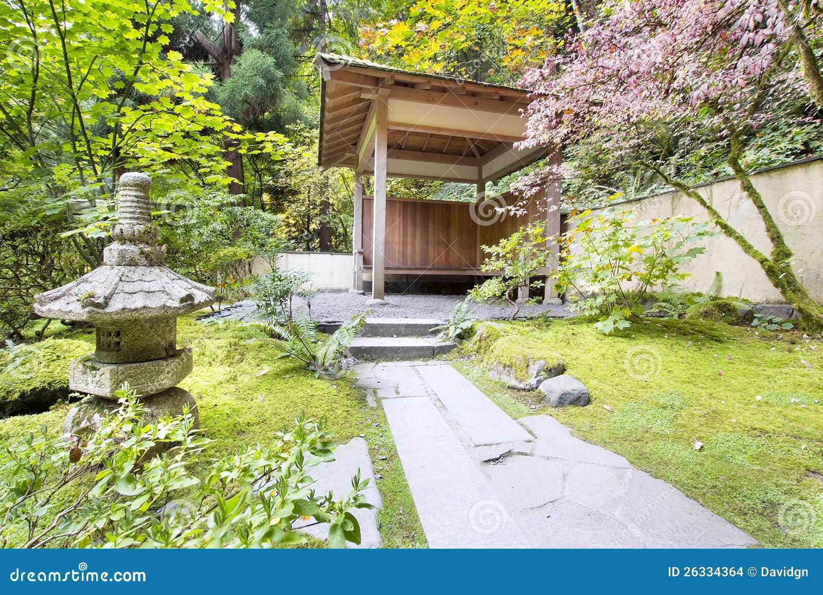 Casa de t japonesa del jard n con la linterna de piedra - Outdoor leunstoel castorama ...