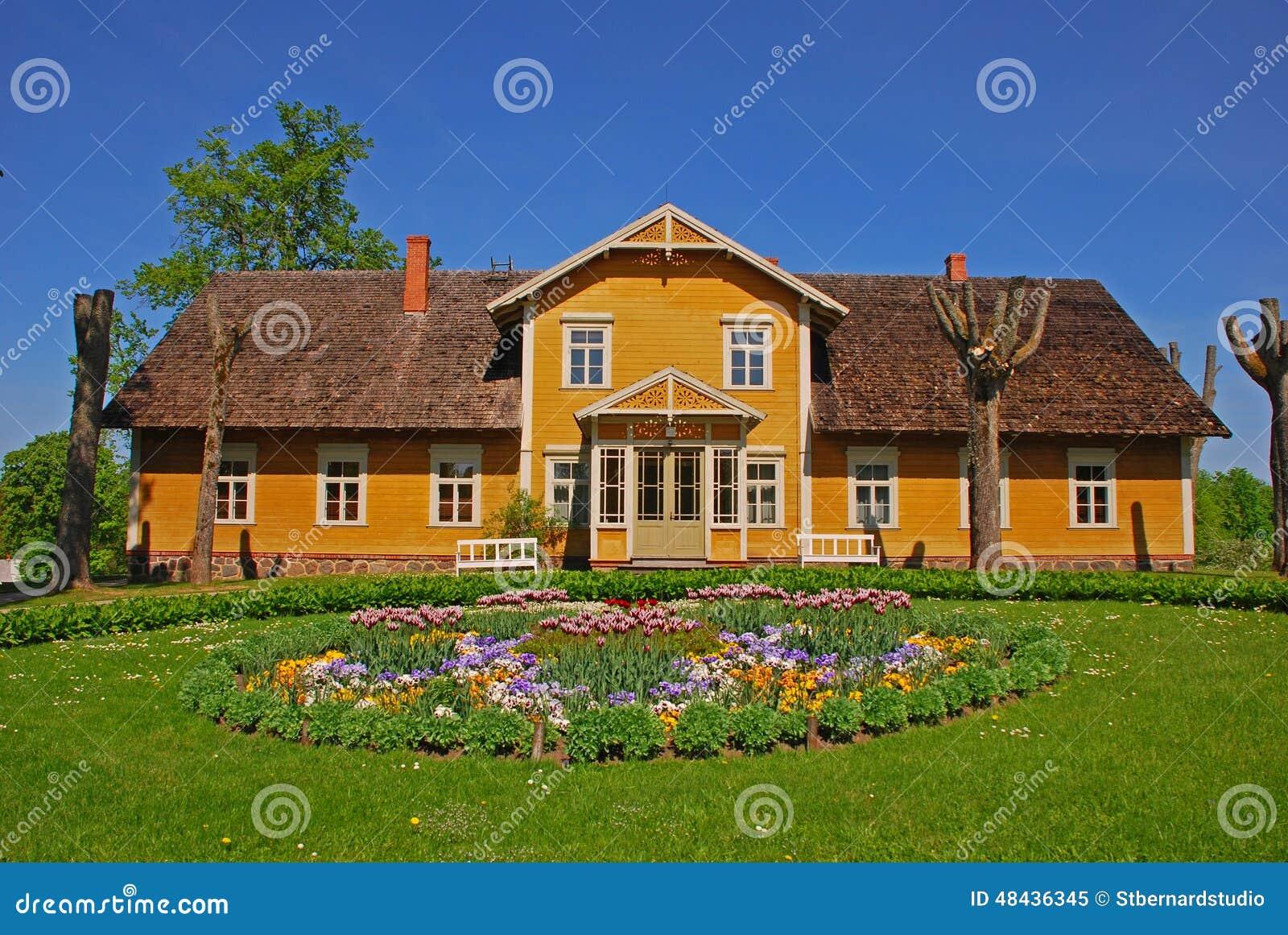 Casa de verano hermosa en campo