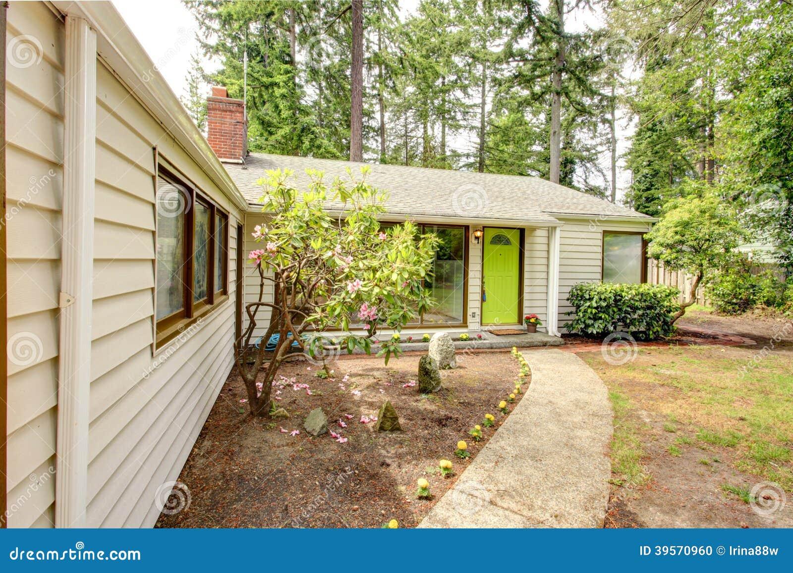 Casa del campo vista del p rtico de la entrada foto de for Costo del portico anteriore