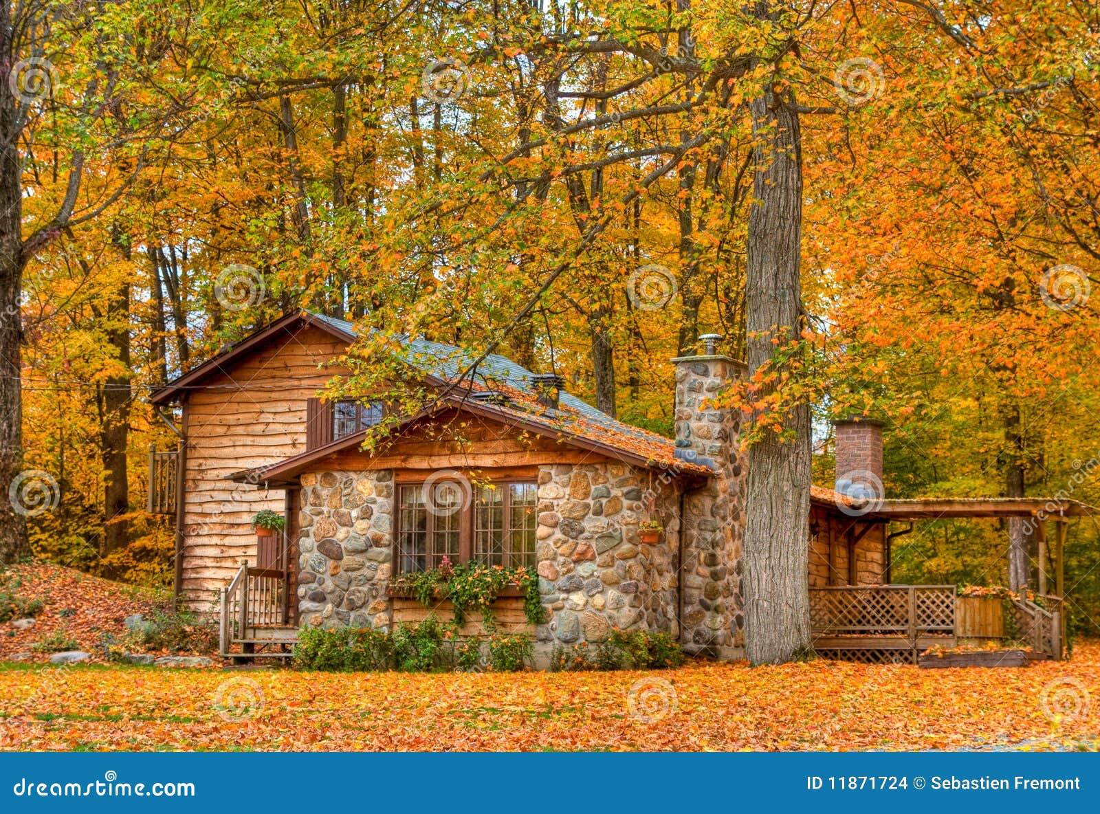 Casa del cottage immagini stock immagine 11871724 for Piani casa bungalow piccolo artigiano