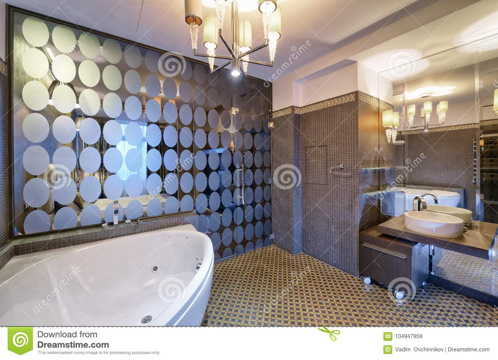 Casa Del Lujo Del Cuarto De Baño Del Diseño Interior Imagen de ...