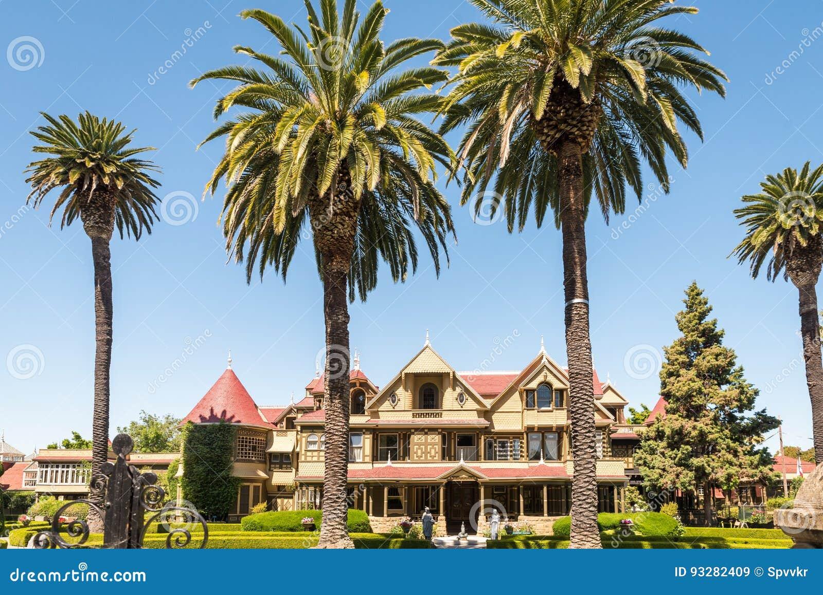 Casa del misterio de Winchester en San Jose