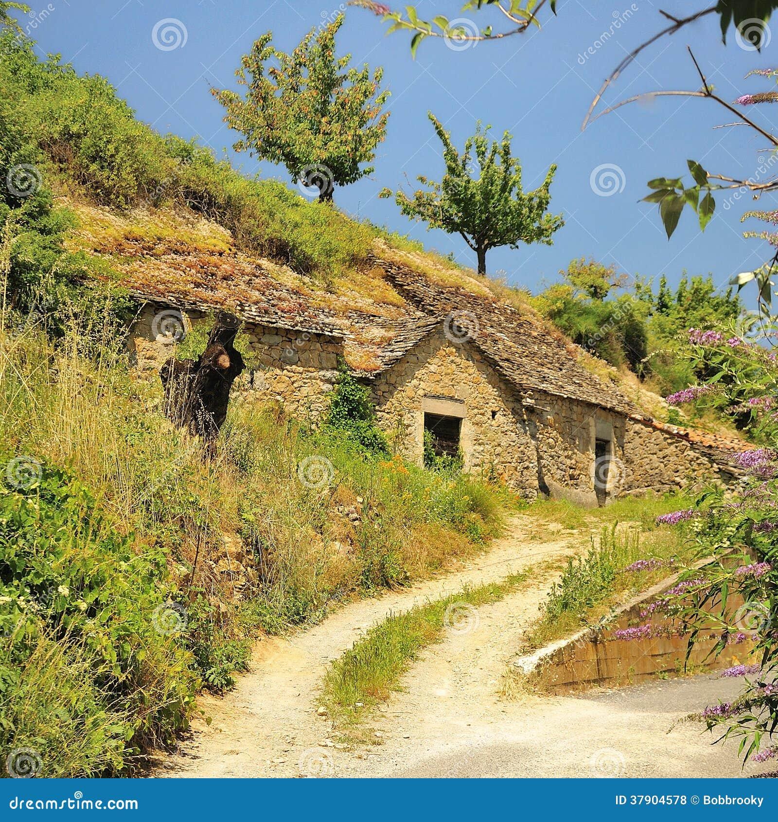 Casa della caverna, Pyreleau, Francia