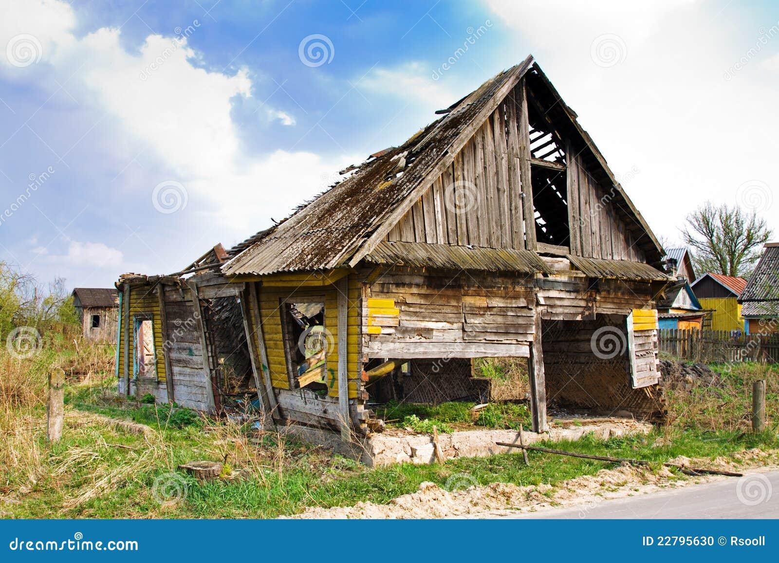 Casa destruida foto de archivo imagen 22795630 - Casa de fotografia ...
