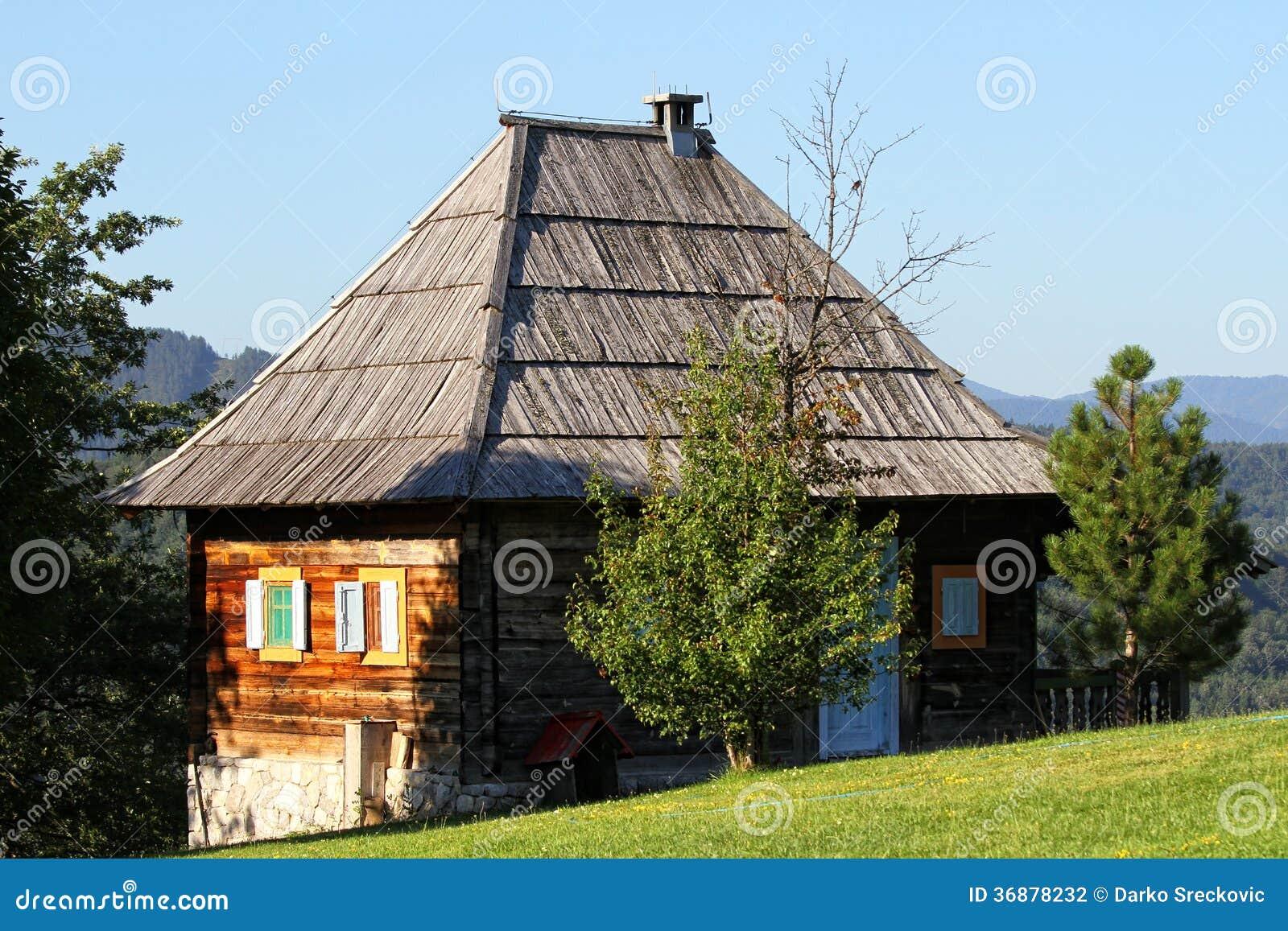 Download Casa di campagna fotografia stock. Immagine di wooden - 36878232
