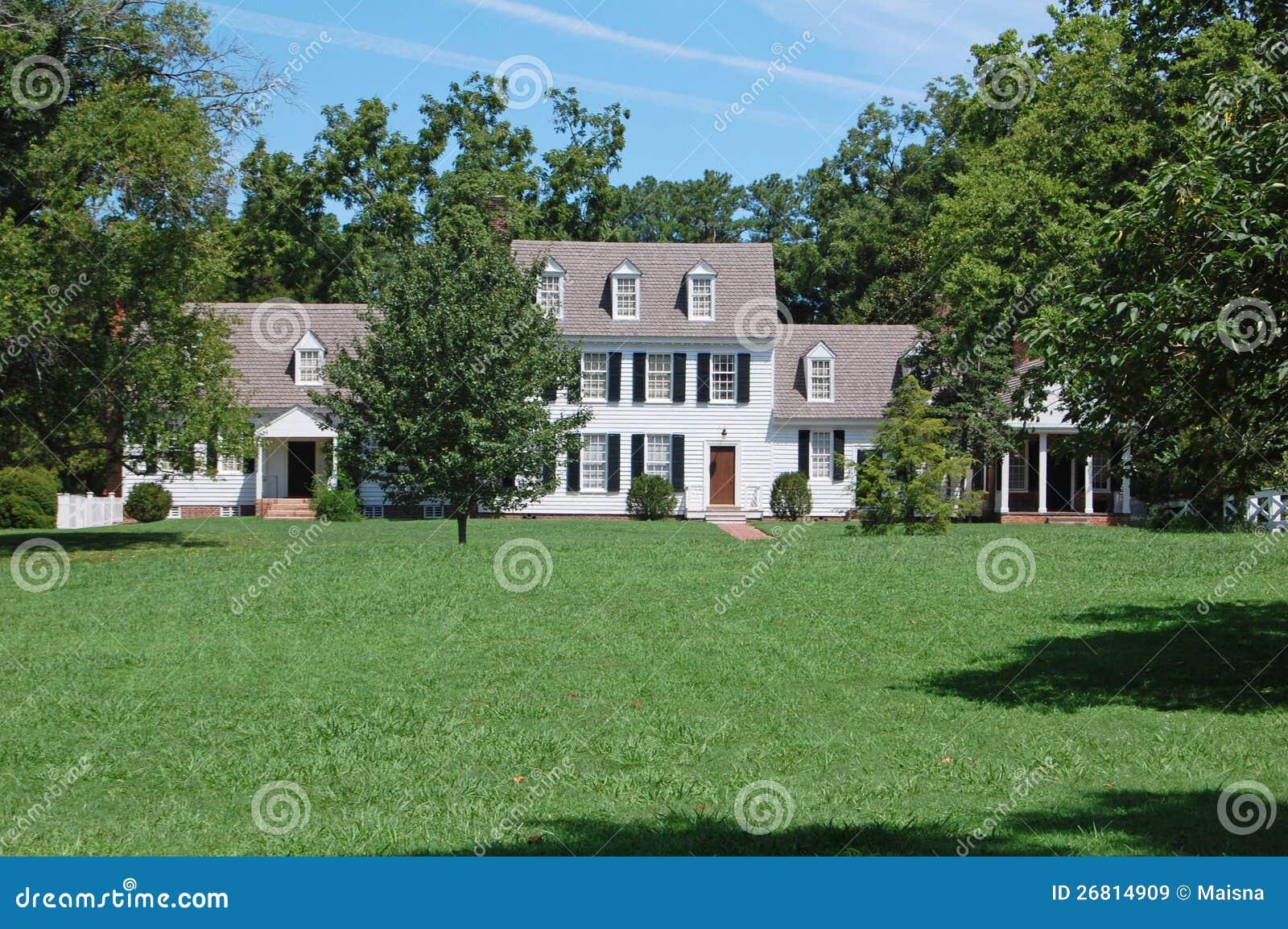 Casa di campagna americana immagine stock immagine di for Casa coloniale americana
