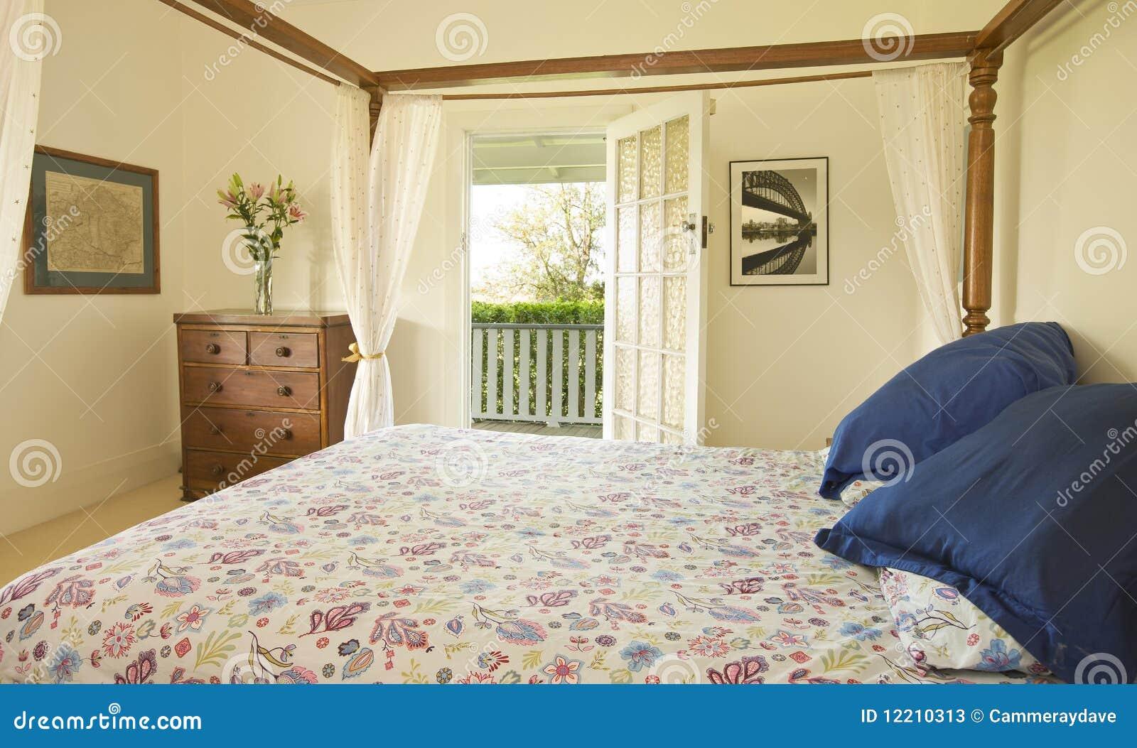 casa di campagna della camera da letto immagine stock