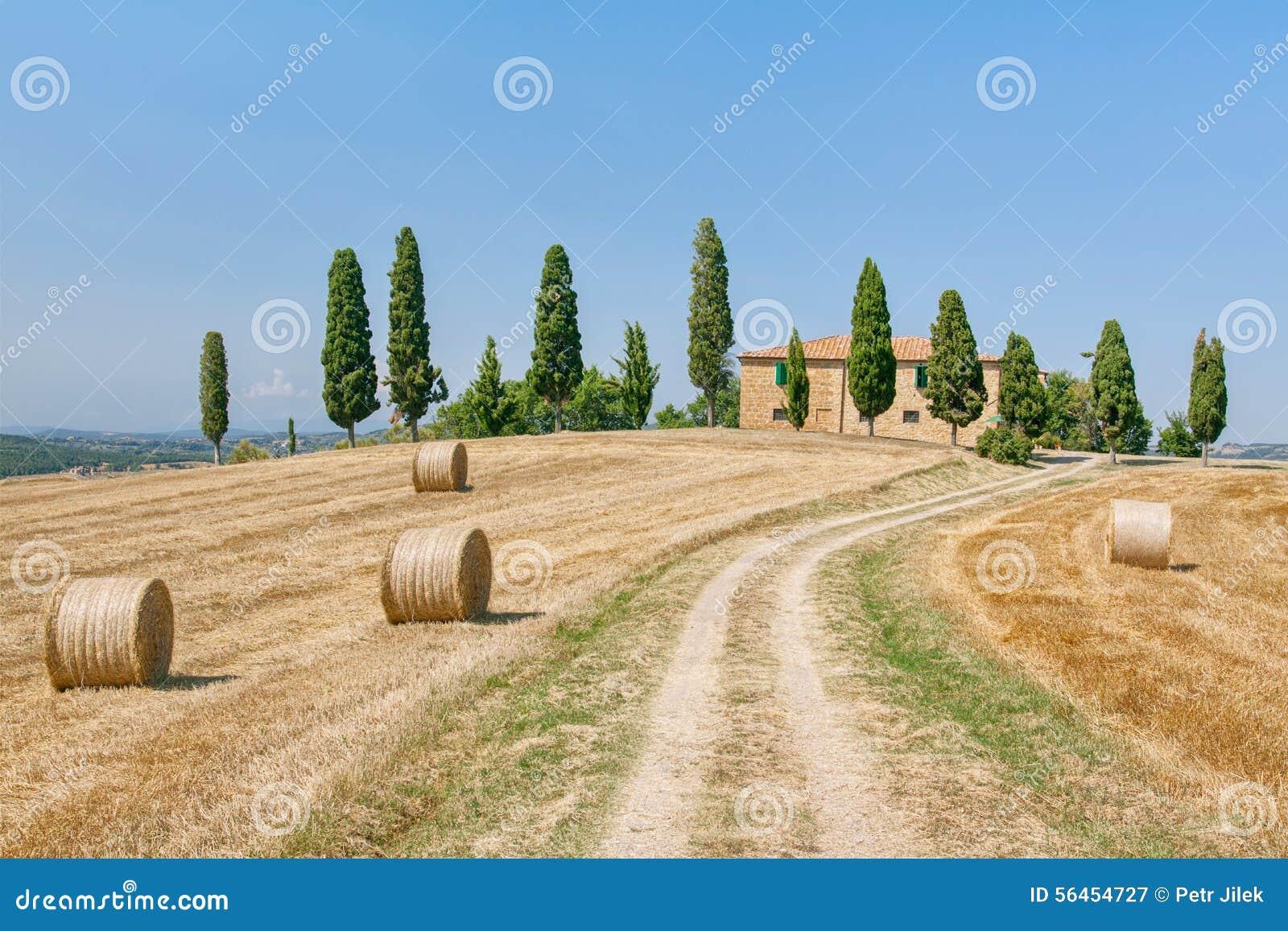 Casa di campagna della toscana immagine stock immagine for Disegni di cottage di campagna