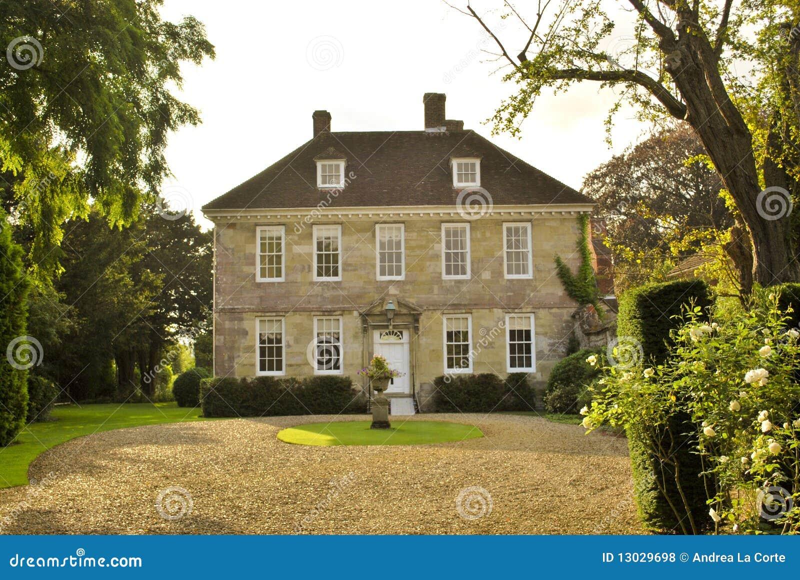 Casa di campagna inglese fotografia stock immagine di for Design di casa di campagna inglese