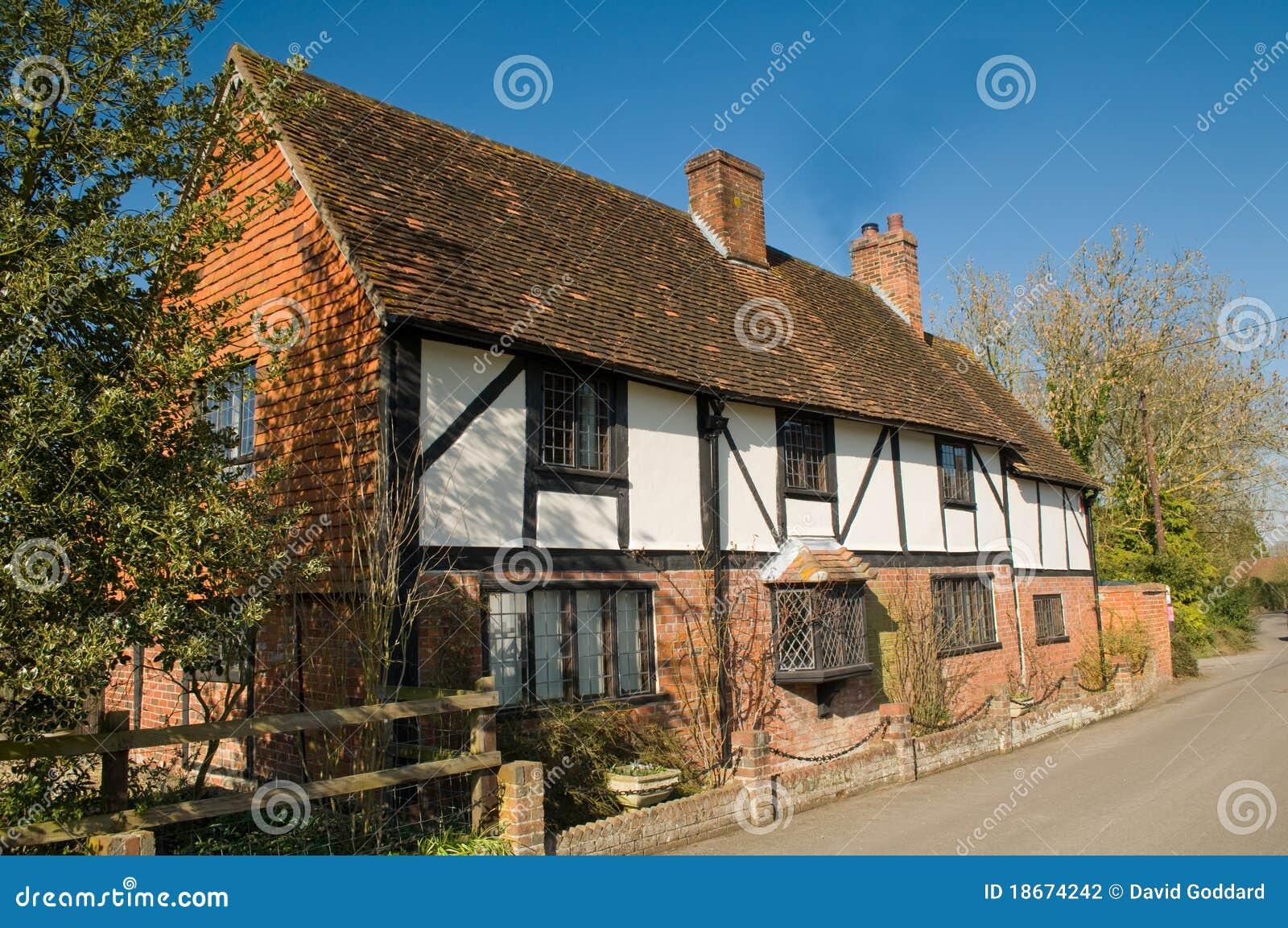 Casa di campagna inglese fotografia stock immagine 18674242 for Vecchio cottage inglese