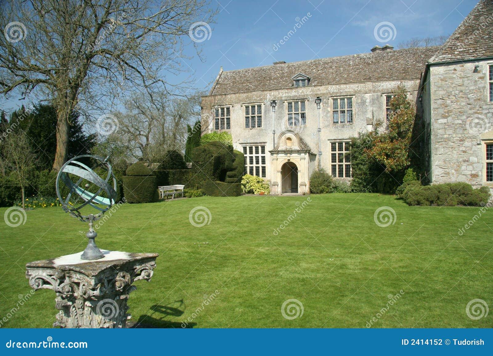 Casa di campagna inglese fotografia stock immagine 2414152 for Design di casa di campagna inglese