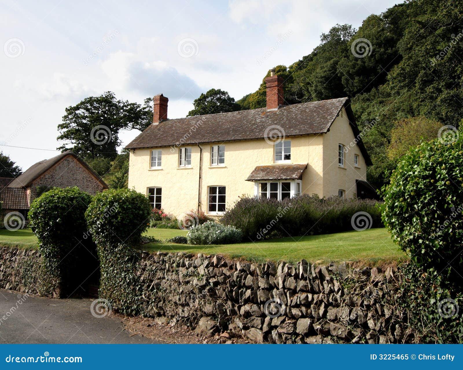 Camere inglesi in un villaggio rurale inglese.