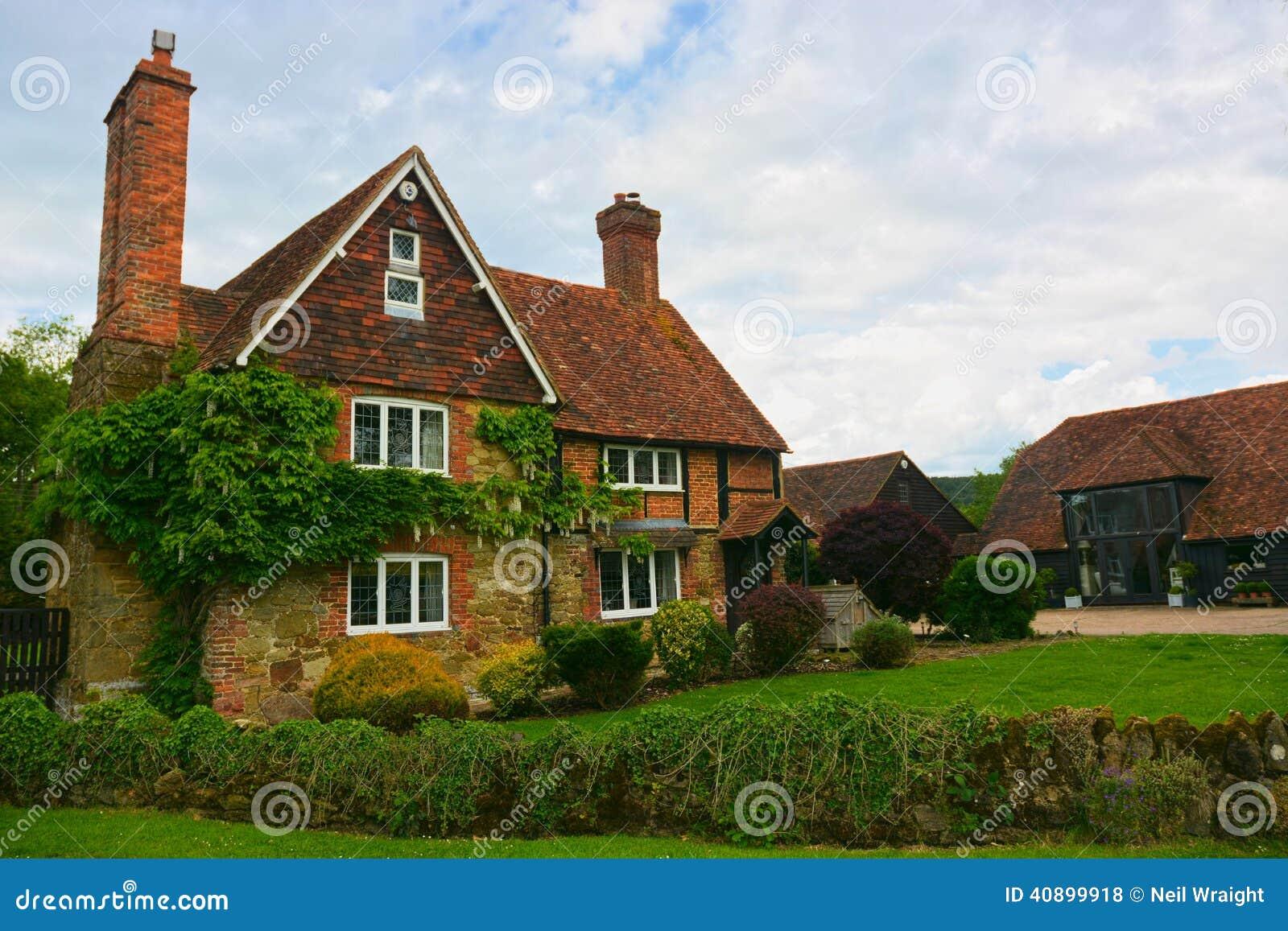 Casa di campagna inglese fotografia stock immagine di for Architettura della casa di campagna