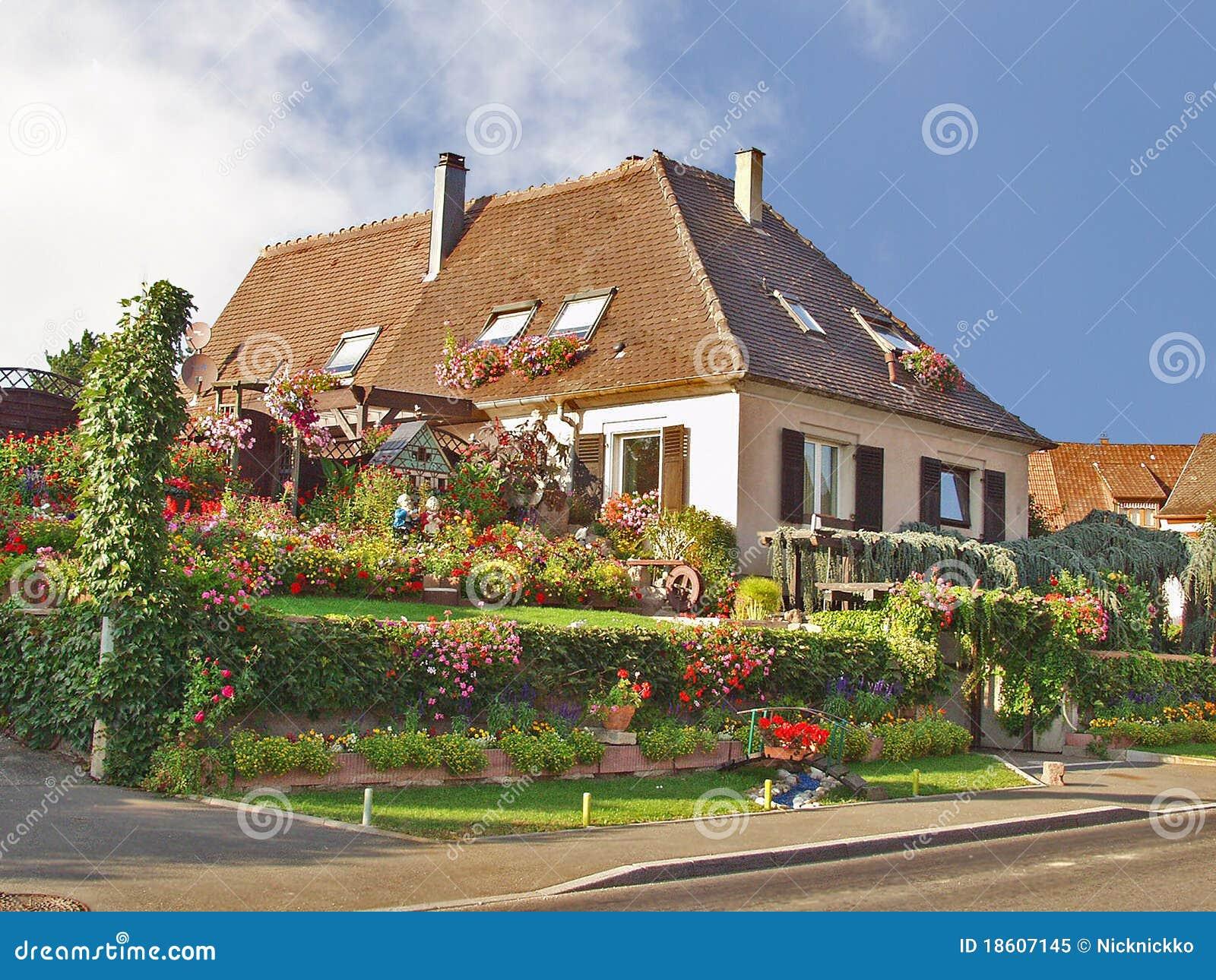 Casa di campagna l 39 alsazia la francia immagine stock for Case di campagna progettano l australia