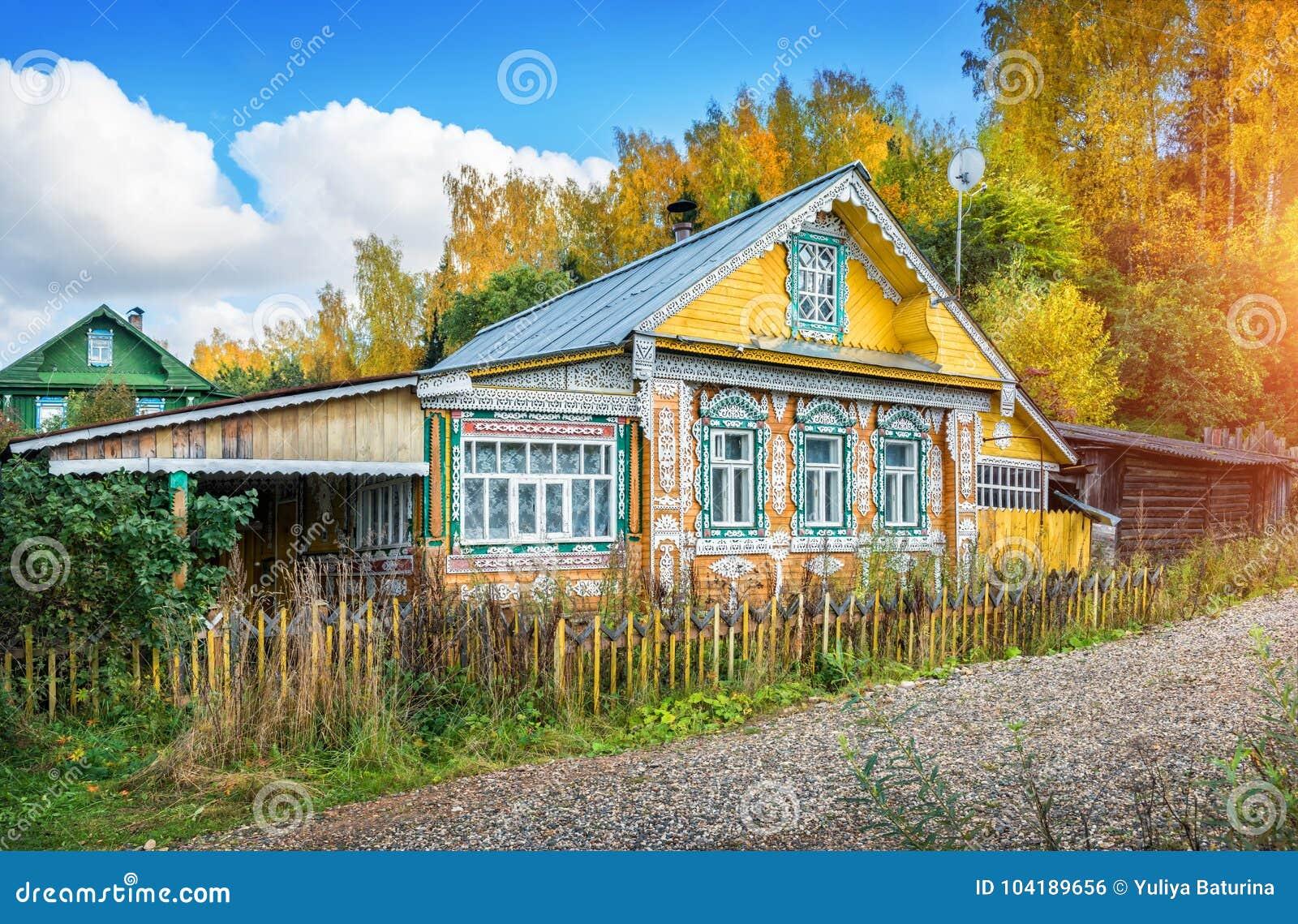 Casa di Lacy Russian