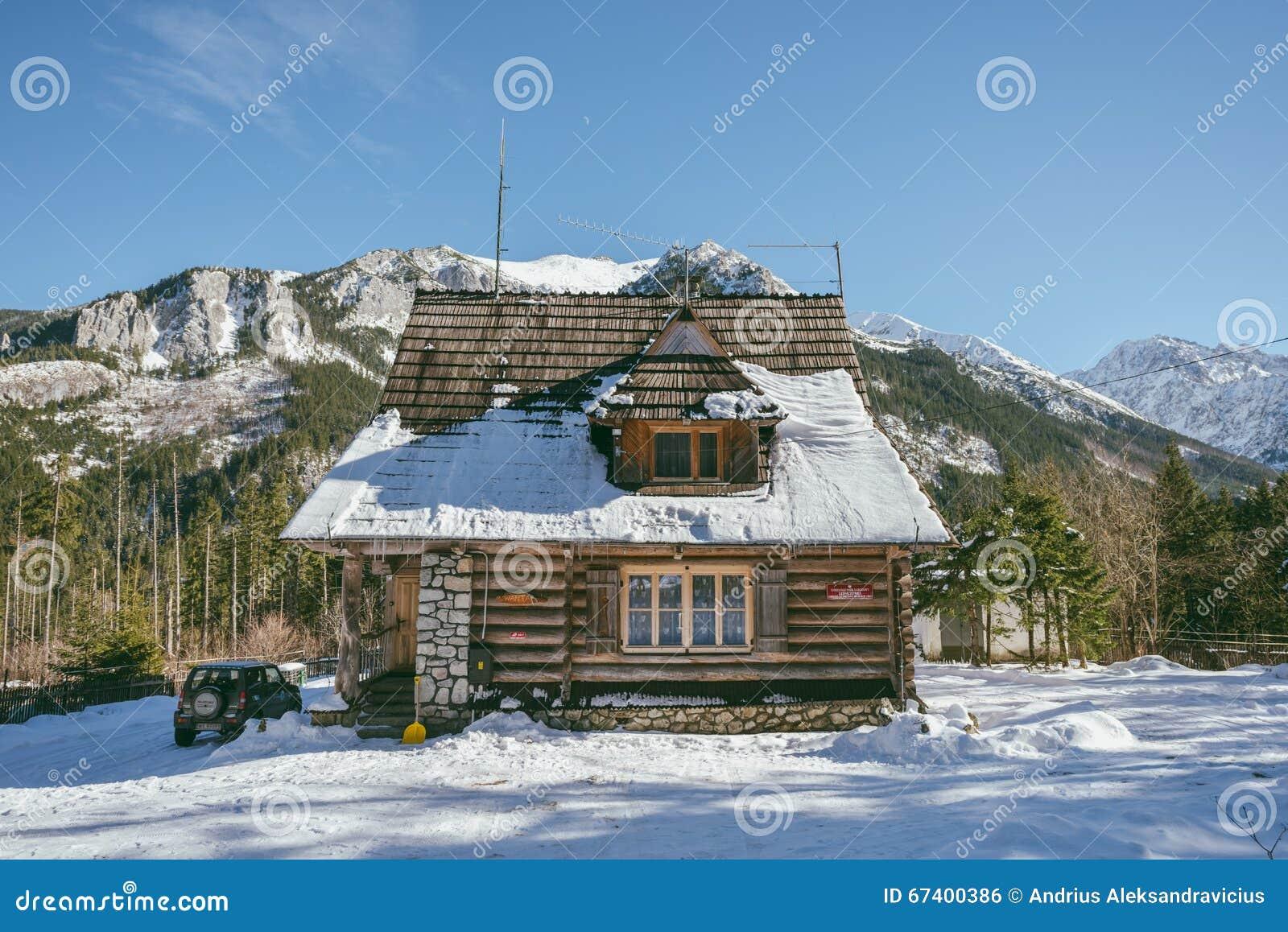 Casa di legno della montagna alto tatras polonia for Case in legno polonia