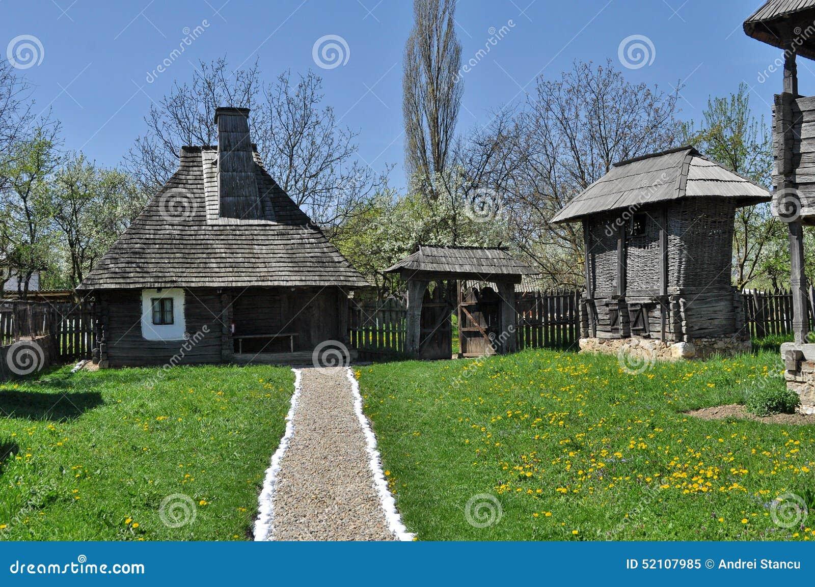 Casa di legno rurale