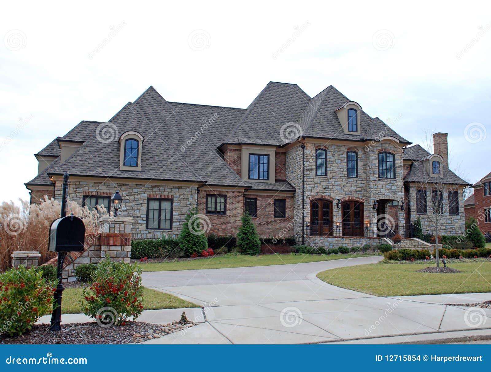 Casa di lusso di pietra capricciosa 42 immagini stock for Casa lusso