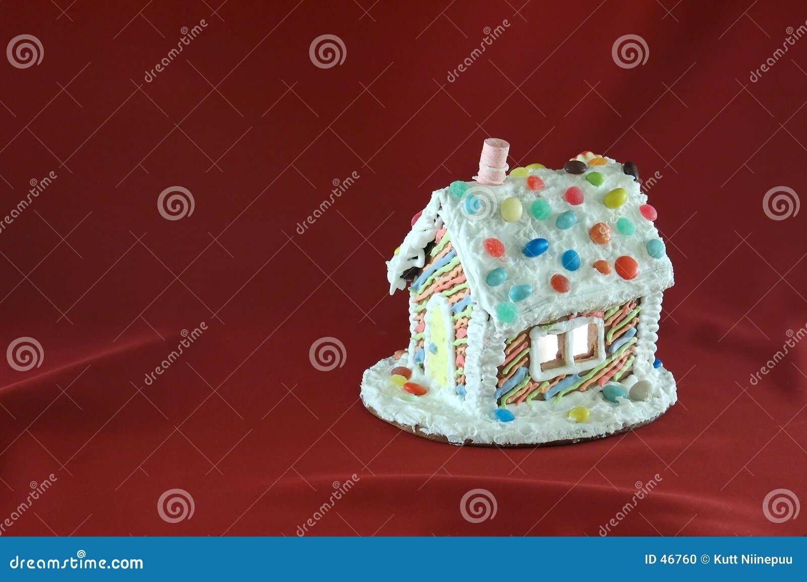 Casa di pan di zenzero decorata di natale